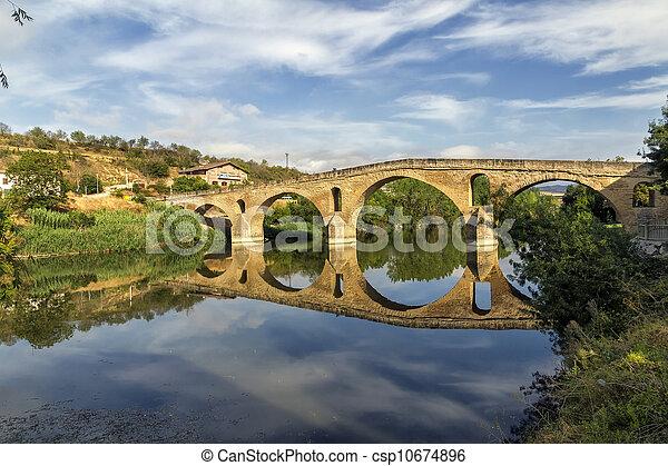 Puente la Reina bridge , Navarre Spain - csp10674896
