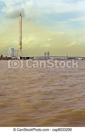 Puente en el fondo del río - csp8033290