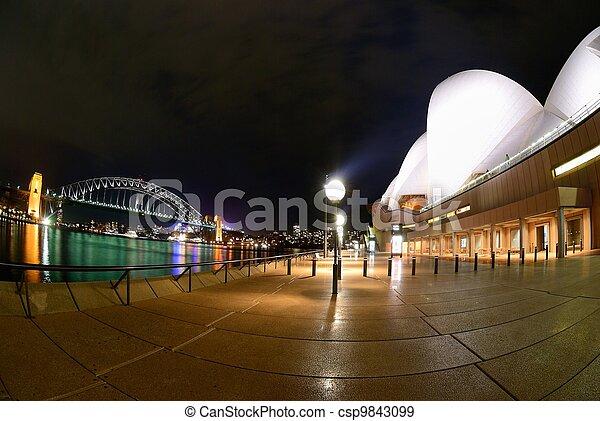Sydney Harbor por la noche - csp9843099