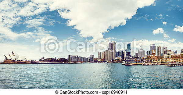 Vista del puerto de Sydney - csp16940911