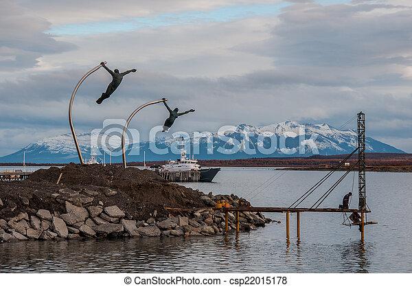 Junto a la orilla del agua en Puerto Natalie, Chile - csp22015178