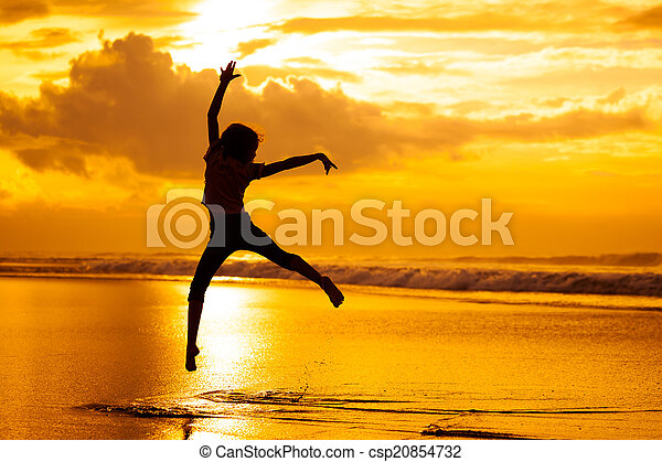 pular, tempo, alvorada, praia, menina, feliz - csp20854732