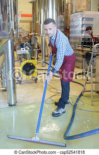 pulizia, lavoratore, fabbrica, pavimento - csp52541818