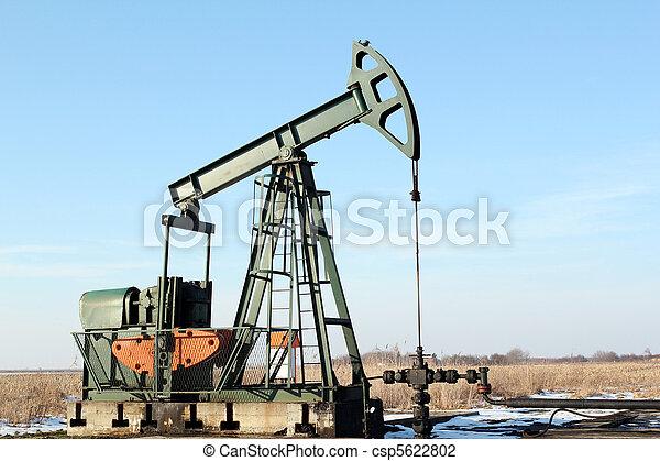 pumpjack - csp5622802