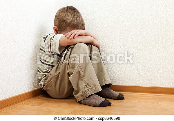 punição, criança - csp6646598