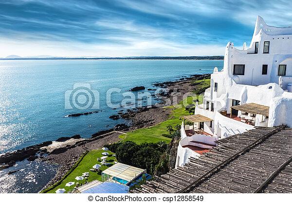 punta, este, casapueblo, uru, del, 浜 - csp12858549