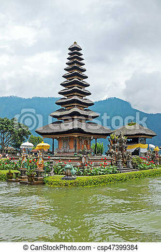 Pura Ulun Danu Bratan, Hindu temple on Bratan lake, Bali, Indonesia - csp47399384