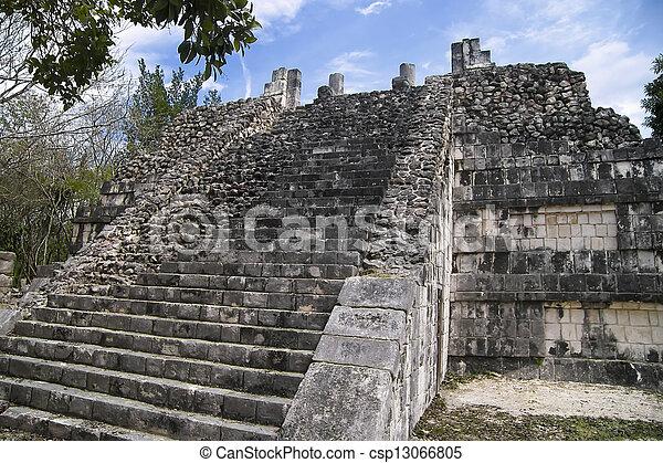 Pyramid in Chichen Itza - csp13066805