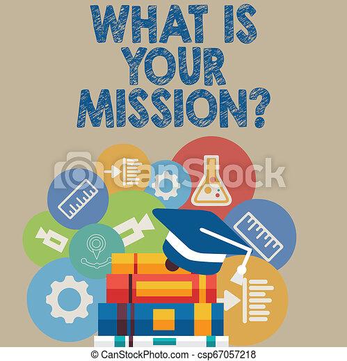 Escribiendo textos escribiendo lo que es tu misión. Concepto preguntar a alguien sobre sus planes y todo. - csp67057218
