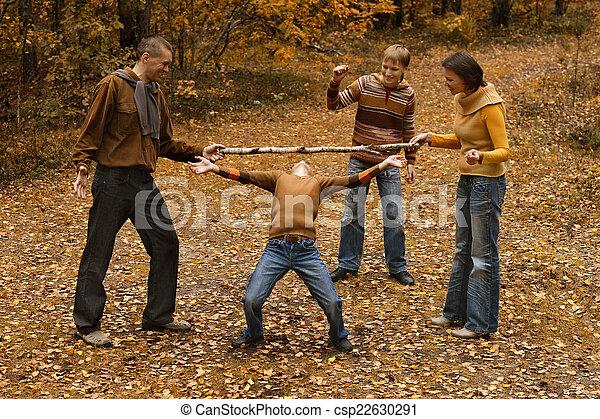 quatre, automne, famille - csp22630291