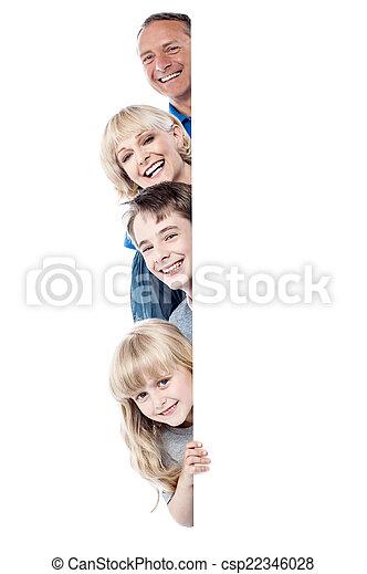 quatre, derrière, whiteboard, famille, vide - csp22346028