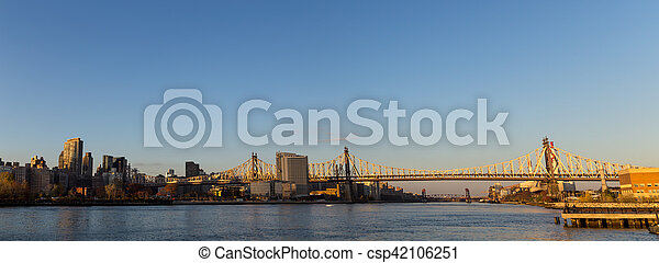 Queensboro Bridge in Manhattan, New York - csp42106251