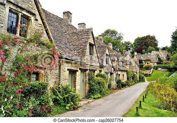Aldea Quiant Cotswold, Inglaterra - csp26027754