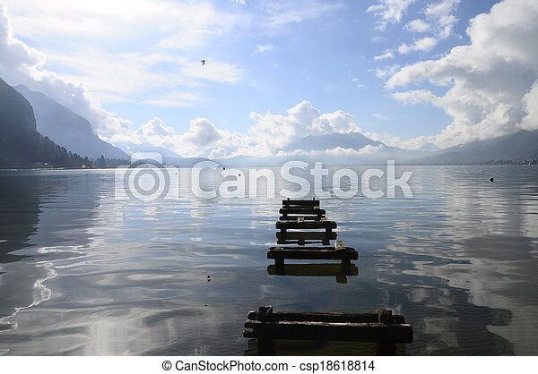 Quiet view of Annecy lake - csp18618814