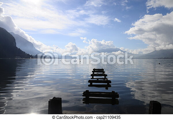 Quiet view of Annecy lake - csp21109435