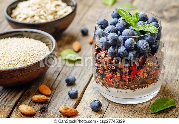 quinoa, mirtilli, noci, granola, farina avena - csp27745329