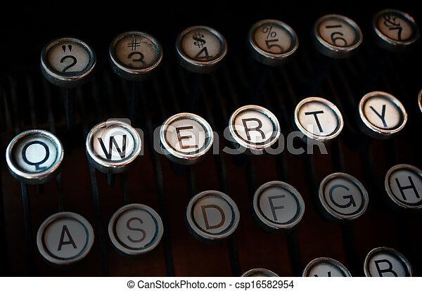Qwerty typewriter - csp16582954