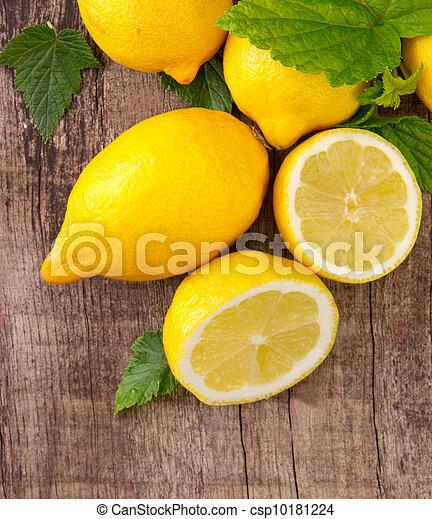 rå frukt - csp10181224