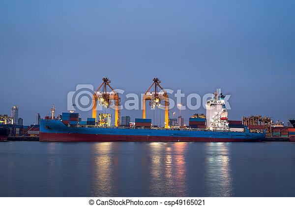 récipient cargaison, fonctionnement, pont, chantier naval, bateau fret, crépuscule, grue - csp49165021