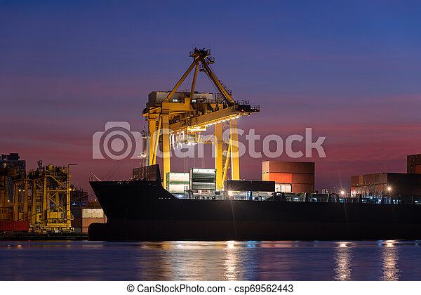 récipient cargaison, fonctionnement, pont, chantier naval, coucher soleil, bateau fret, grue - csp69562443