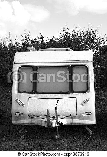 réduction, caravane, bw, vieux, sale - csp43873913
