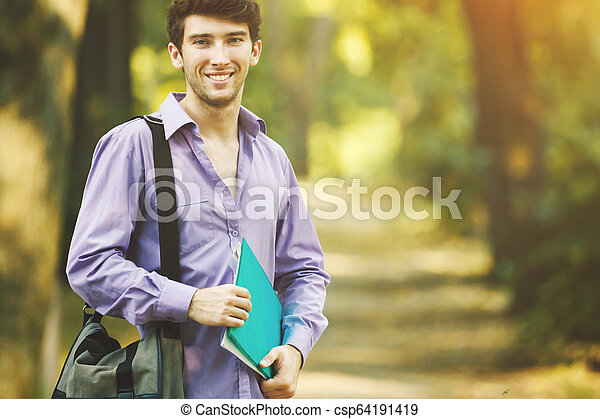 réussi, ensoleillé, parc, day., livres, étudiant - csp64191419
