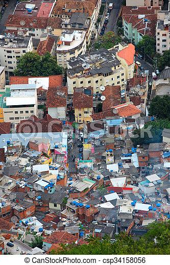 Vista aérea de rio favela - csp34158056