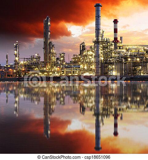 raffinerie, huile, crépuscule - csp18651096