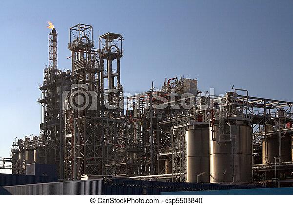 raffinerie, huile, jour ensoleillé - csp5508840