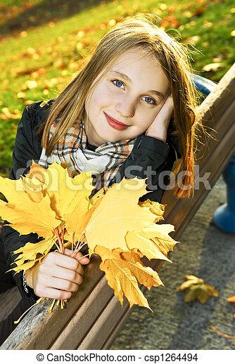 ragazza adolescente, cadere - csp1264494