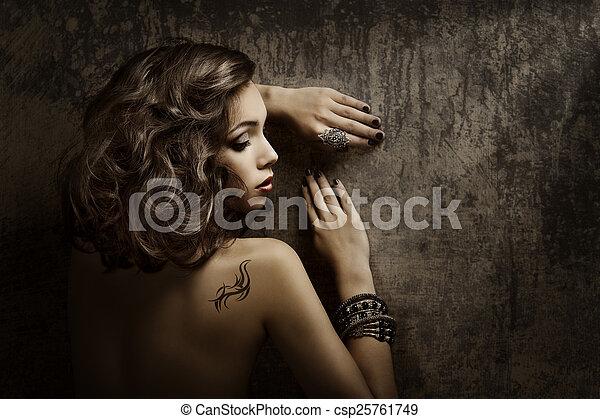 ragazza donna, moda, bellezza, dhoulder, indietro, tatuaggio, bello - csp25761749