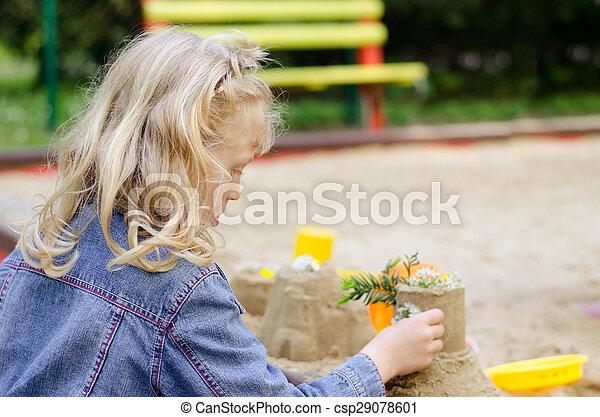 ragazza, gioco, sabbia - csp29078601