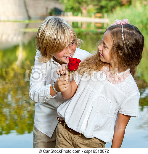 ragazzo, ragazza, sorprendente, flower. - csp16518072