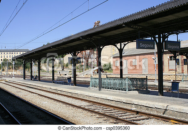 railway platform - csp0395360