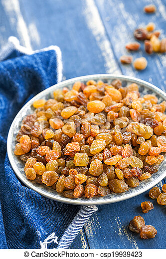 Raisins - csp19939423