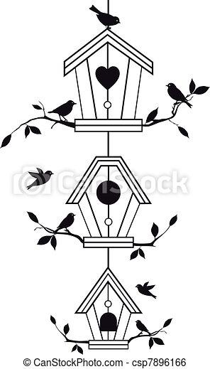 Casas de pájaros con ramas de árbol - csp7896166