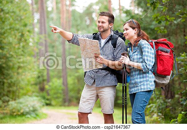 randonnée couple - csp21647367