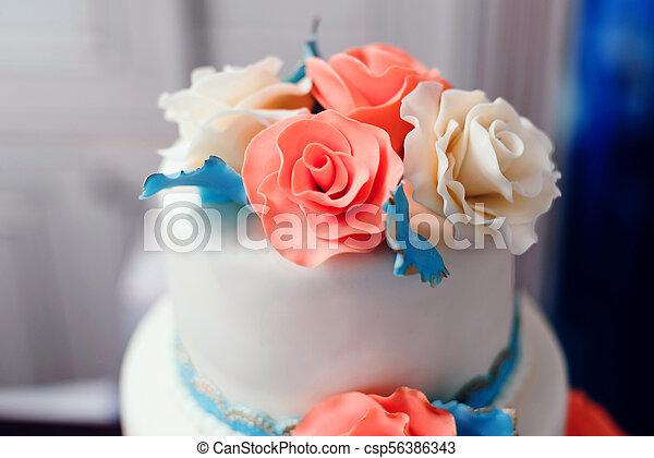 Rangees Glacage Gateau Mariage Decore Fleurs Creme