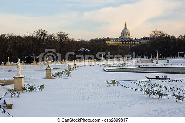 Rare snowy day in Paris. Lots of snow in the Luxembourg Garden - csp2899817