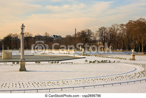 Rare snowy day in Paris. Lots of snow in the Luxembourg Garden - csp2899796