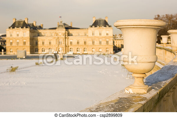 Rare snowy day in Paris. Lots of snow in the Luxembourg Garden - csp2899809