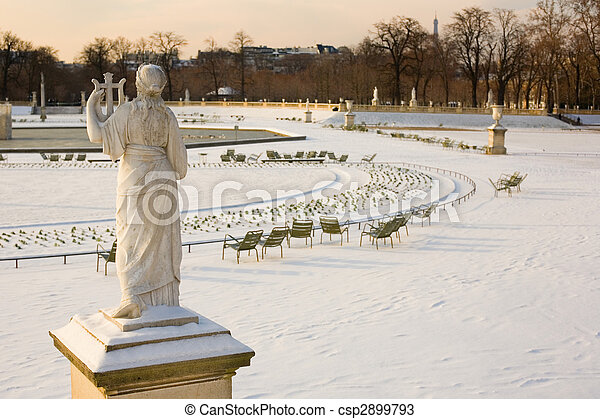 Rare snowy day in Paris. Lots of snow in the Luxembourg Garden - csp2899793