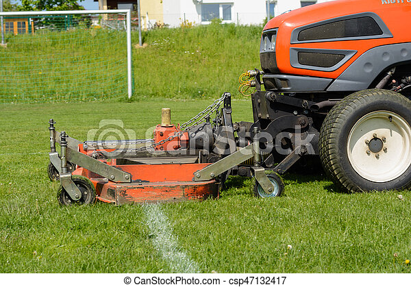 Rasentraktoren Auf Sportanlagen Rasen Mahen Rasen Auf Dem