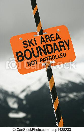 Señales de pista de esquí. - csp1438233