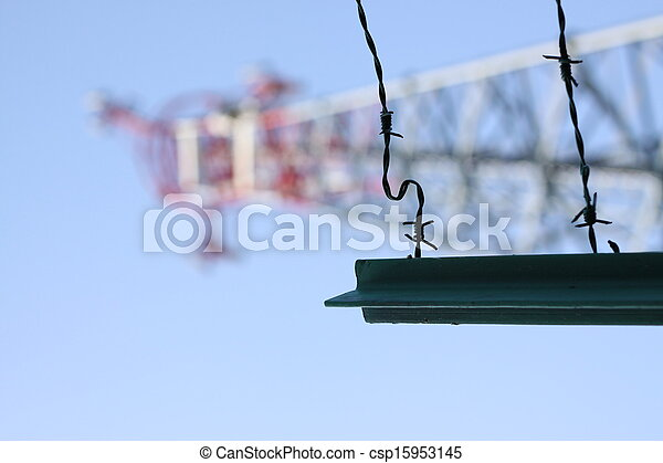 razor wired fence - csp15953145