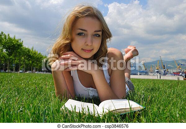 reading outdoor - csp3846576