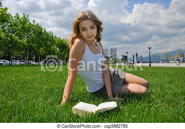 reading outdoor - csp3882785