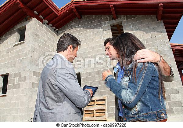 real-estate, épület, kiállítás, ügynök, szerkesztés, alatt, párosít - csp9997228