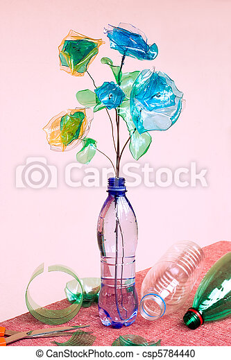 Reciclar plástico - csp5784440