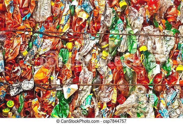Reciclaje plástico - csp7844757